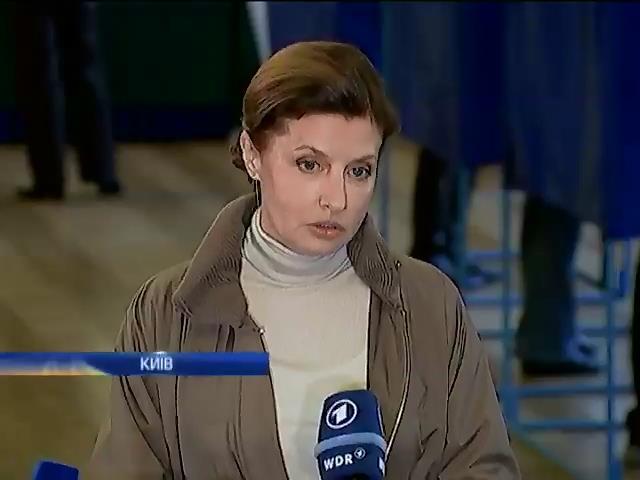 Порошенко проголосуe пiсля повернення з Донбасу (видео)
