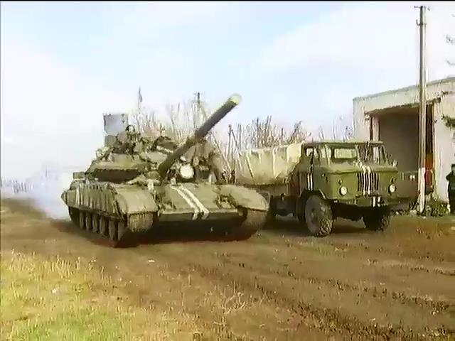 Росiя пiд час виборiв направляe вiйська на Донбас (видео)