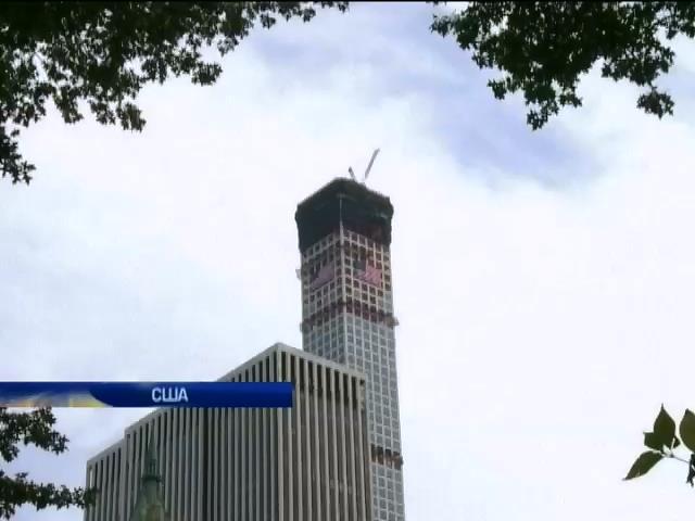 В Нью-Йорку розкуповують квартири у новому хмарочосi (видео)
