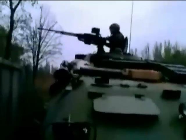 Представники Украiни та Росii обговорять припинення боiв бiля аеропорту Донецька (видео)
