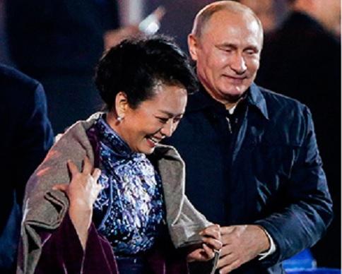 Цензура Китая удалила видео со скандальным жестом Путина (видео)