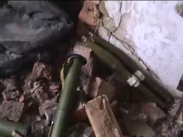 Под Мариуполем нашли склад оружия диверсантов (видео) (видео)