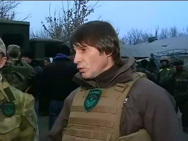 Волонтеры ремонтируют технику военных под Дебальцево (видео)