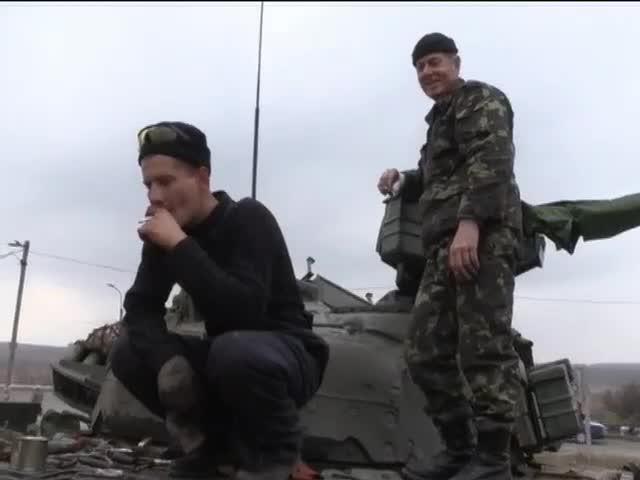 Терористи обстрiляли Авiдiiвку, загинули двоe вiйськових (видео)
