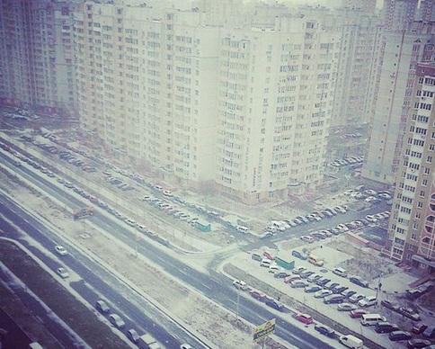 Снег в Киеве убирают 260 специальных машин (фото)