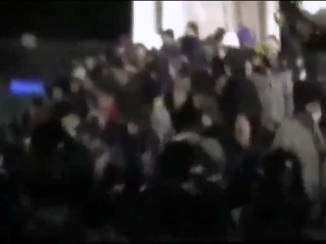 """Майдан зачищало 400 працiвникiв """"Беркута"""" (видео)"""