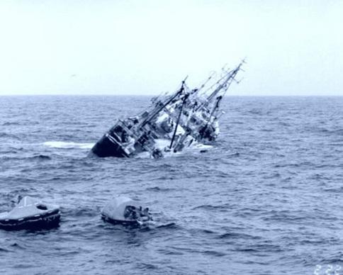 В Беринговом море в районе гибели южнокорейского траулера найдены спасательные плоты без людей