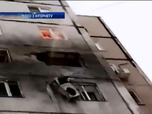 14 людей постраждали вiд обстрiлiв Донецька (видео)