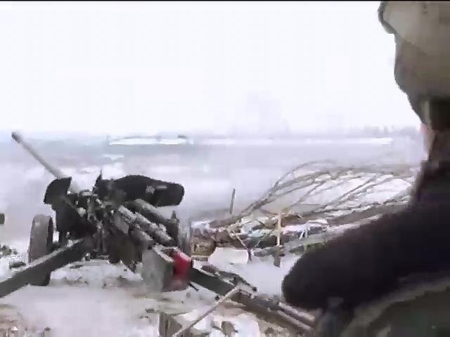 Военные отбили атаки на аэропорт, у противника потери (видео)