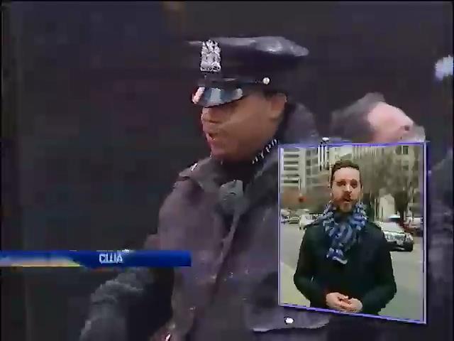 В США полицейских оснащают видеокамерами (видео)