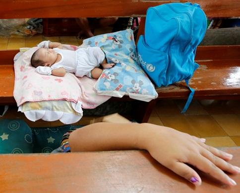 Тайфун заставил более 1 млн филиппинцев покинуть дома
