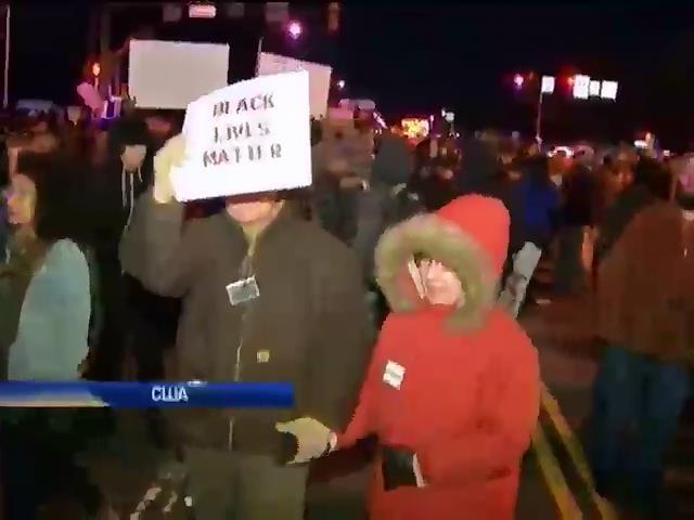 У США протестувальники блокують дороги (видео)