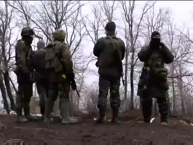Терористи атакували вiйськових у Пiсках (видео)