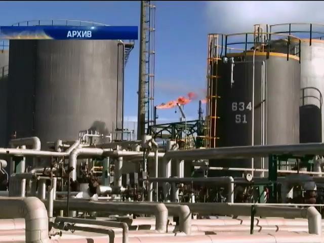 Цена на нефть упала до 50 долларов за баррель (видео)