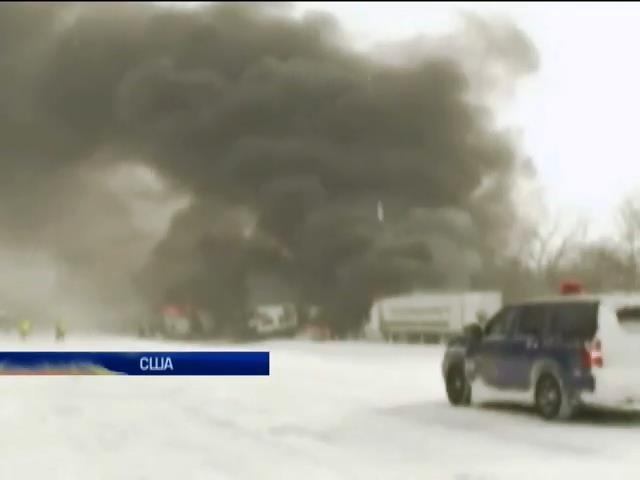В США из-за аварии взорвался грузовик с фейерверками (видео)