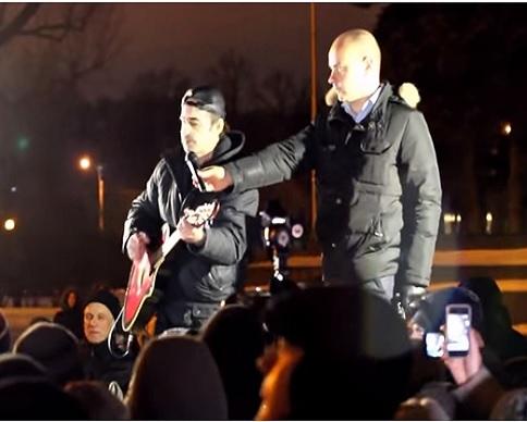 На митинге в Санкт-Петербурге спели хит о Путине (видео)
