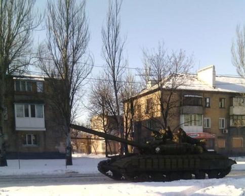 Киборги отбили атаки танков в аэропорту Донецка