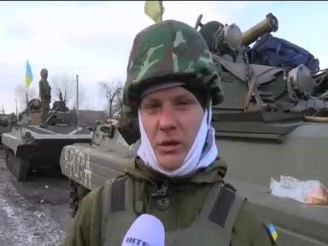 Вiйськовi на Донбасi: воюeмо вже проти армii Росii (видео)